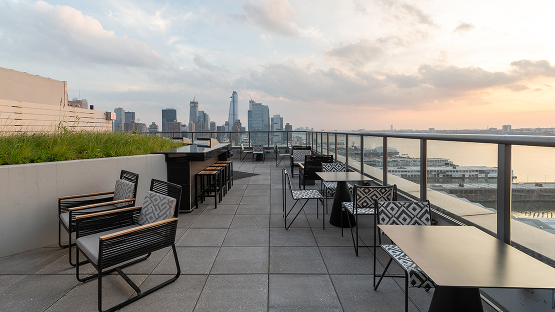 606 w 57th st the max 31st floor roof deck