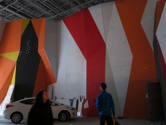 The Cliffs at LIC Opens in May with Massive Rock Climbing