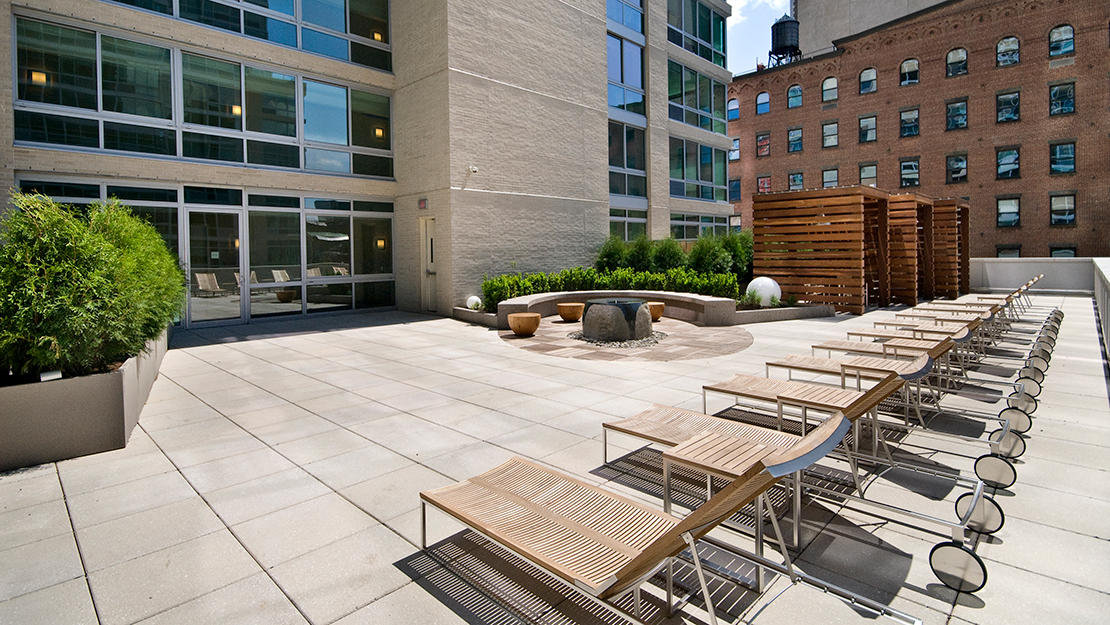 505 w 37th st roof sundeck